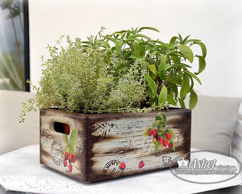 pudełko z efektem malowanego drewna