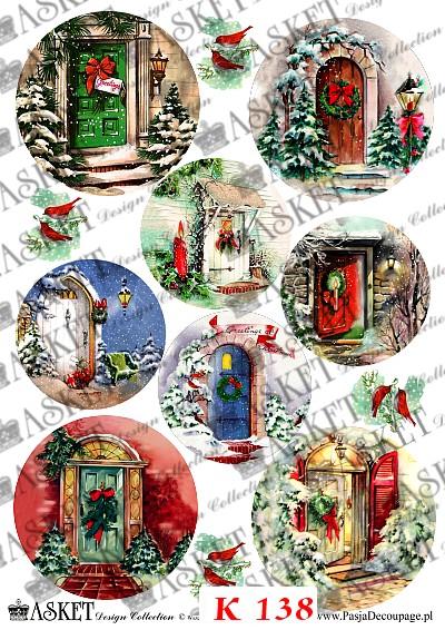 Różne rodzaje drzwi w żywych kolorach z dekoracjami charakterystycznymi dla Świąt Bożego Narodzenia