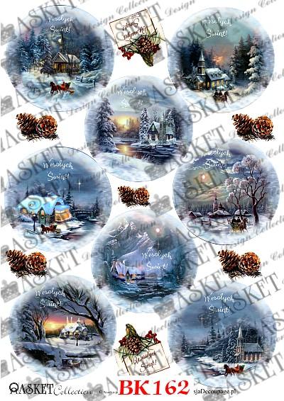 Bajkowe motywy z domkami na pierwszy planie zimą