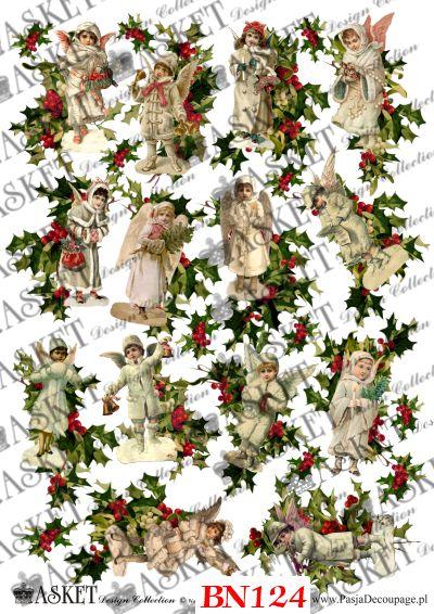 postacie aniołów z ozdobnymi krzewami świątecznymi