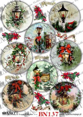 latarenki w różnym stylu przyozdobione dekoracjami świątecznymi