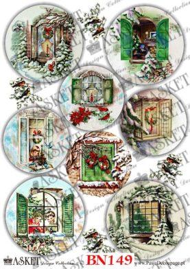 okna w świątecznym stylu ze śniegiem i stroikami