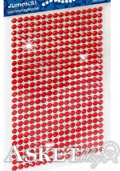 czerwone koraliki do przyklejania