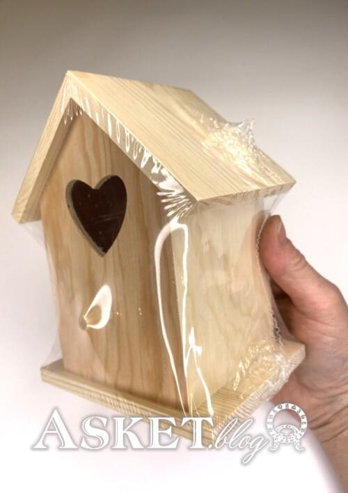 domek drewniany do ozdobienia